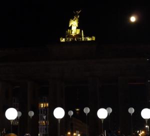 BERLIN_25-Jahre-Maueroeffnung_LICHTGRENZE_800px