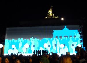 BERLIN_25-Jahre-Maueroeffnung_Mauerprojektion_800px